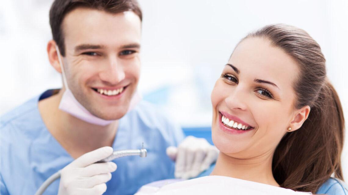 Dental Bonding vs Veneers: Which Should You Choose?